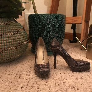 Nine West Snakeskin Leather Pumps